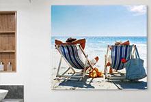 Foto op alumnium van ligstoelen op het strand