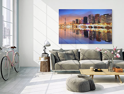 Woonkamer met foto op aluminium skyline stad