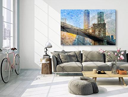 Woonkamer met fotomozaiek met brug